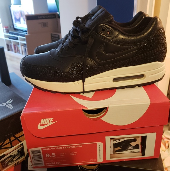 7ef68d0603 Nike Shoes | Airmax 1 Leather Pa Stingray | Poshmark
